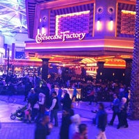 Photo taken at The Cheesecake Factory by 🇪🇸Yousef M Al.shammari b. on 12/31/2012