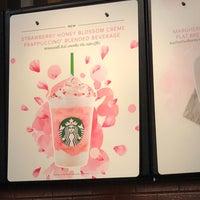 Снимок сделан в Starbucks пользователем Joe G. 3/16/2018