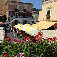 6/18/2013にMario C.がPiazza Umberto Iで撮った写真