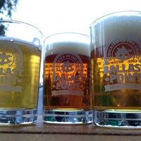 Das Foto wurde bei Ballast Point Brewing & Spirits von Carlos R. am 5/5/2013 aufgenommen