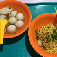 Photo taken at Blk 505 Market & Food Centre by Cheen T. on 8/6/2017