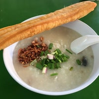 Photo taken at Bukit Timah Market & Food Centre by Cheen T. on 12/30/2016
