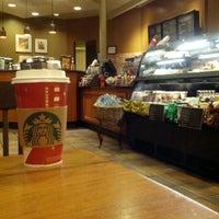 Photo taken at Starbucks by oshakon on 11/12/2012