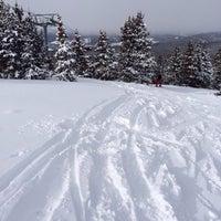 รูปภาพถ่ายที่ Summit cove โดย Chris E. เมื่อ 1/1/2014