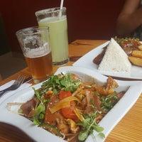 Foto scattata a Mapacho Craft Beer & Restaurant da Matías R. il 4/29/2018