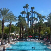Foto scattata a MGM Grand Pool da Michelle M. il 9/21/2012