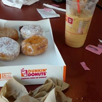 Photo taken at Dunkin' Donuts by Mauricio P. on 8/13/2014