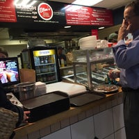 Photo prise au Ellen's Bagels Hoagies and More par John E. le8/23/2016