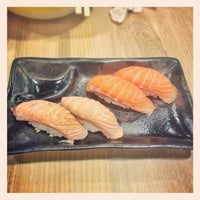 Photo taken at Hoseki Udon House (โฮเซกิ) 宝石 by Wipoo S. on 5/9/2013