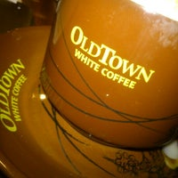 Photo taken at OldTown White Coffee by Jovi S. on 1/17/2013