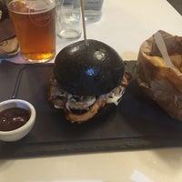 Foto scattata a Borgo Burger da Andrea M. il 7/1/2016
