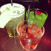 รูปภาพถ่ายที่ McMullan's Irish Pub โดย Julie L. เมื่อ 12/15/2012