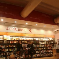 Photo taken at La Feltrinelli Libri e Musica by Livio G. on 2/21/2013