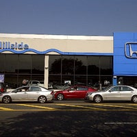 Photo taken at Hillside Honda by Ba¡lعyڪ® on 9/27/2012