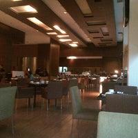 Photo taken at Square restaurant, novotel Balikpapan by Rahmadi on 10/13/2012