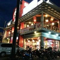 Photo taken at KFC by Rahmadi on 7/25/2013