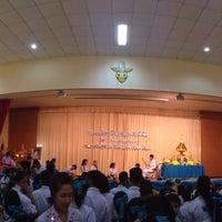 Photo taken at หอประชุมโรงเรียนฤทธิยะวรรณาลัย 2 by Atikom P. on 2/18/2014