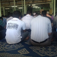 Photo taken at Masjid Kompleks Pertanian Serdang by MrShaz Z. on 1/16/2015