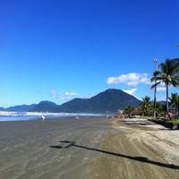 Foto tirada no(a) Praia do Arpoador por David d. em 5/25/2013