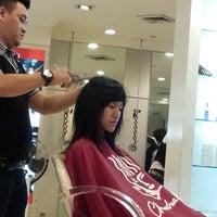 Photo taken at Chandra Gupta Salon & Hair Beauty by Tania Tany L. on 2/3/2013