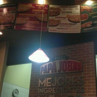 Photo taken at Papa John's Pizza CDMX - Leones by Ham R. on 12/26/2012