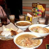 Photo taken at OldTown White Coffee by 'zaidi' Z. on 12/30/2012