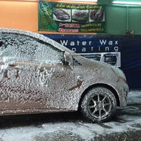 Photo taken at Autoglym Autoglaze Detailing Car Wash by lara on 10/30/2016