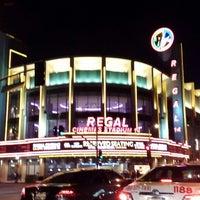 รูปภาพถ่ายที่ Regal Cinemas LA LIVE Stadium 14 โดย Daniel J. เมื่อ 7/31/2013