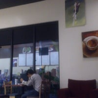 Photo taken at Berrybean Cafe by Yuki E. on 2/8/2013