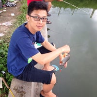Photo taken at Pemancingan kadisoko by Rydha A. on 4/28/2014