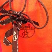 Foto diambil di Hermès oleh Дмитрий pada 12/14/2012