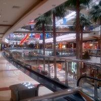 2/8/2014 tarihinde Amru H.ziyaretçi tarafından Pondok Indah Mall 2'de çekilen fotoğraf