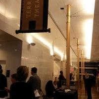 Das Foto wurde bei Kennedy Center- Terrace Theatre von Laura L. am 4/30/2014 aufgenommen