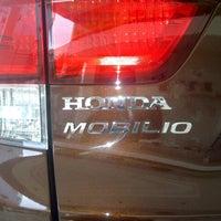 Photo taken at Honda Permata Hijau by dewa agung s. on 2/12/2014