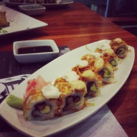 Photo taken at Sushi Itto by Carlos Q. on 2/13/2013
