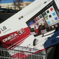 Photo taken at Costco Wholesale by Dwight B. on 1/10/2013