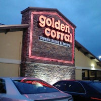 Photo taken at Golden Corral by Jomara M. on 1/18/2013