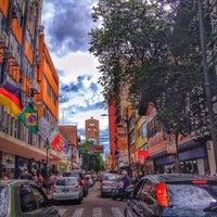 Photo taken at Rua XV de Novembro by Julio Cesar S. on 3/5/2016