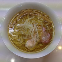 Photo taken at 鶏湯ラーメン ばふ。 by Velocity on 10/11/2013
