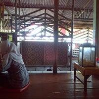 Photo taken at Sate gulai sawah by Risq K. on 6/18/2013