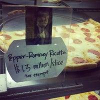 10/18/2012にCraig R.がSicilian Thing Pizzaで撮った写真