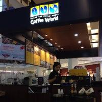 Photo taken at Coffee World @ Central Khonkaen by Kittichai K. on 8/2/2015