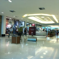 Photo taken at Shopping Recife by Glen S. on 5/22/2013