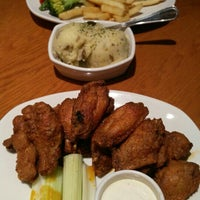 Photo taken at Outback Steakhouse by Ruliyani W. on 10/14/2015