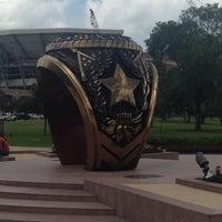 Das Foto wurde bei Haynes Ring Plaza von Donna A. am 6/19/2014 aufgenommen