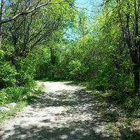 Photo taken at Parc-nature du Bois-de-liesse, Acceuil Pitfield by Luiz H. on 5/25/2014