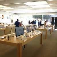 Photo taken at Apple The Domain by JAY J. on 3/13/2013