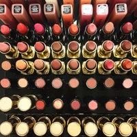 Photo taken at Rik Rak | Salon • Boutique • Bar by Gisselle J. on 7/10/2015