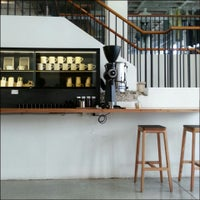 Photo taken at Paramount Coffee Project by Lui Cheuk Fung on 10/23/2013