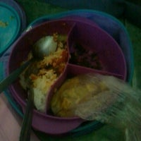 Photo taken at SMP Negeri 1 Malang by Ica A. on 11/1/2012